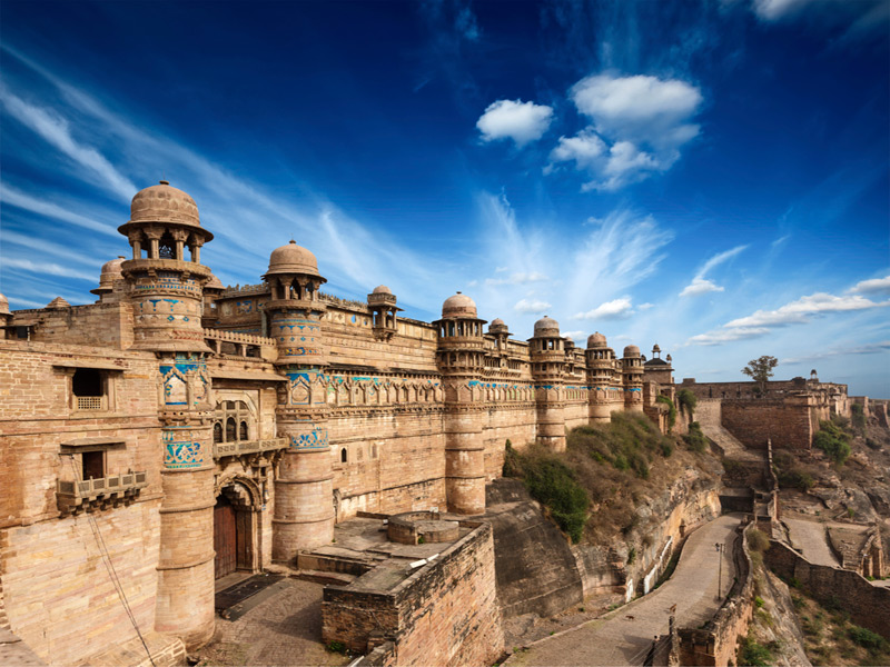this is gwal;ior fort in madhya pradesh